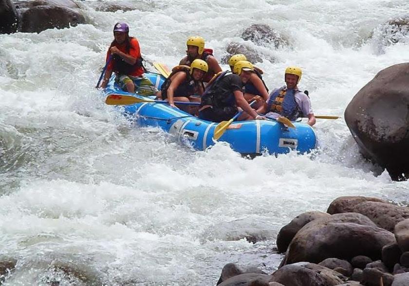 sarapiqui white water rafting near arenal volcano