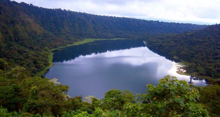hule lagoon costa rica